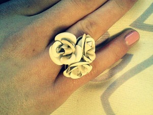 White rose ring: Forever 21.