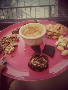 Return of the snack plate! PB and cacao nib stuffed date (aka best healthy dessert ever), sprouted buckwheat and ancient grains granolas, kale chip crumbs, dried apple slices, salted pistachios, Alter Eco mint dark chocolate and peanut flour paste.