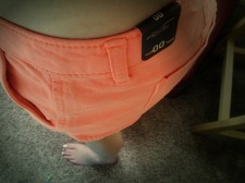 Coral twill shorts (Hollister).