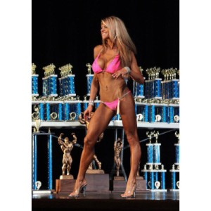 Amanda Rister, a gorgeous and super-fit vegan figure competitor.